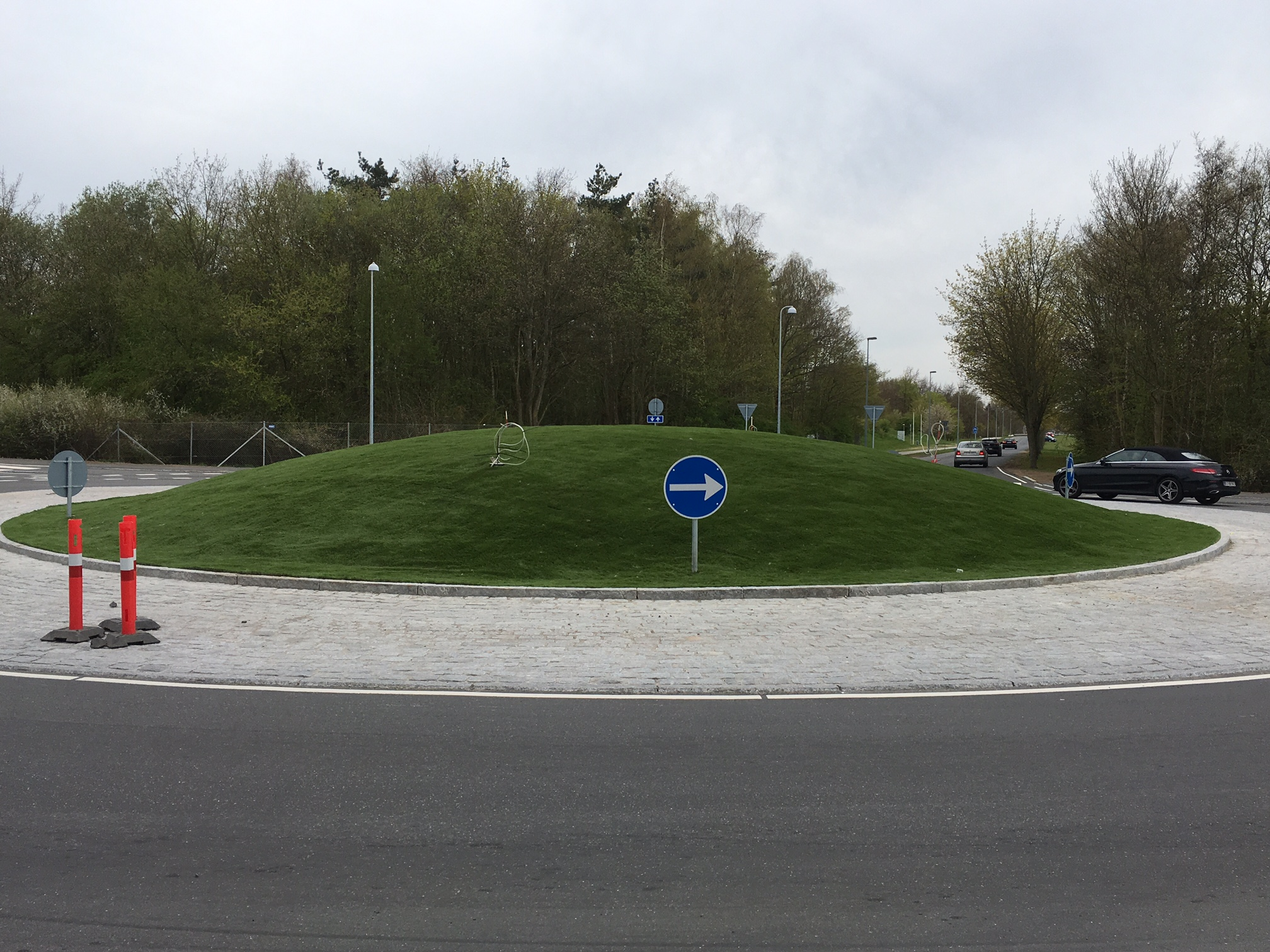Kunstgræs School - Artifical Grass on Roundabout by Unisport