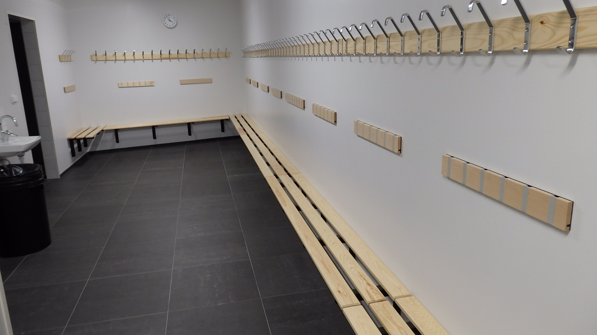 Omklädningsrum instllerade av unisport