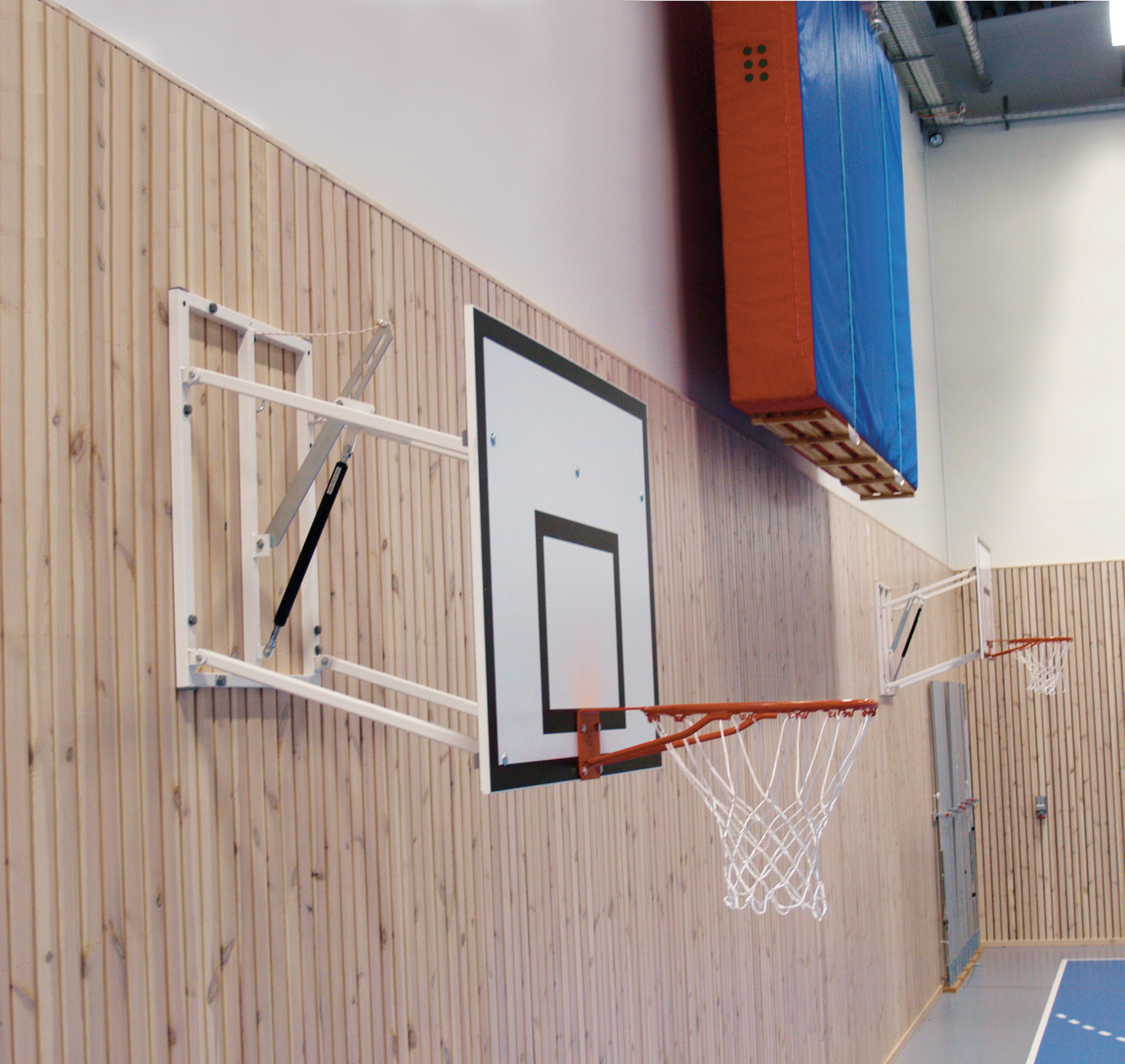 Adjustable Height Practice Basketball Goal at Junior Height (2.6m) by Unisport