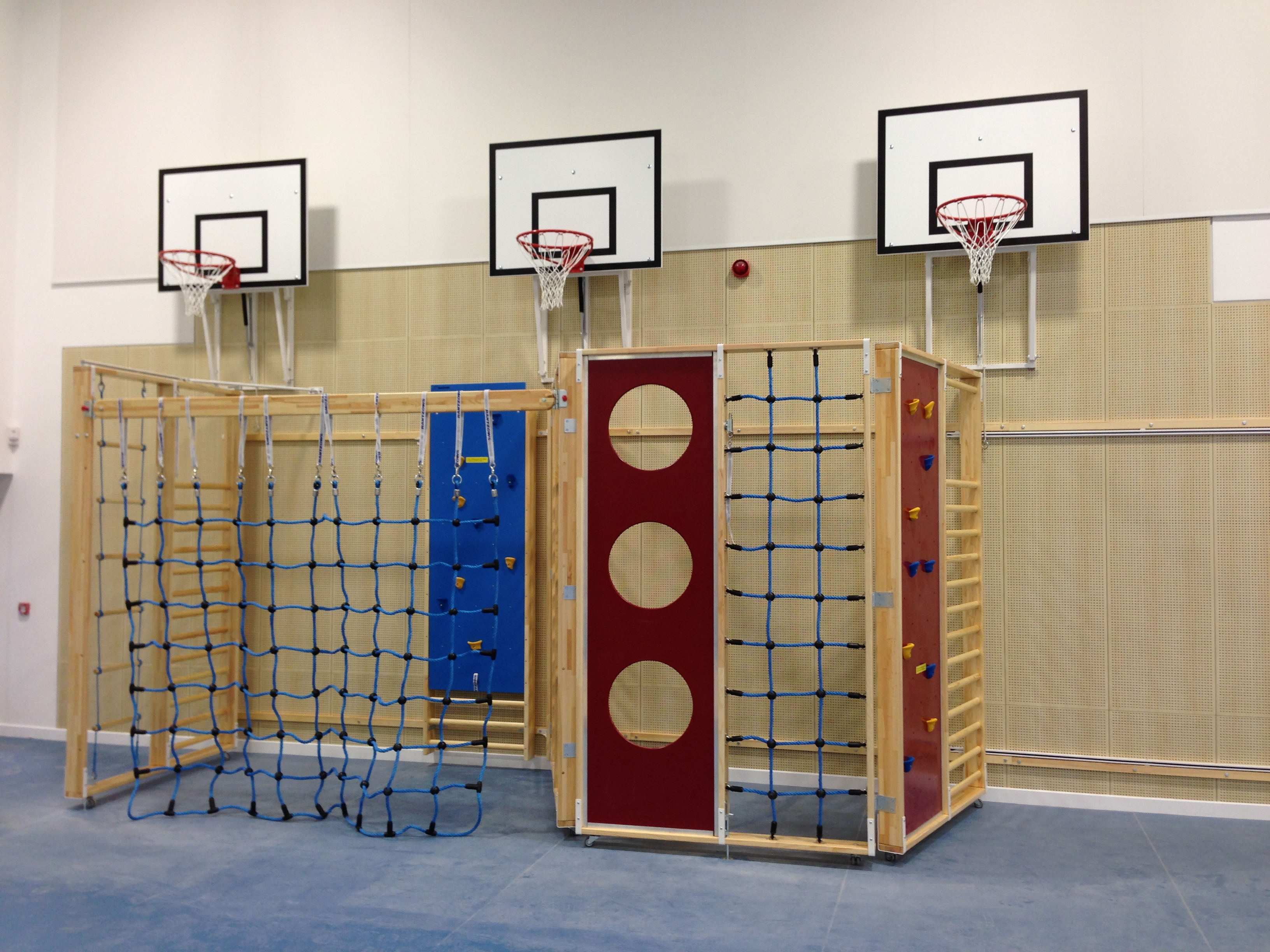 Adjustable Height Practice Basketball Goals installed above a Borgen Climbing Frame by Unisport