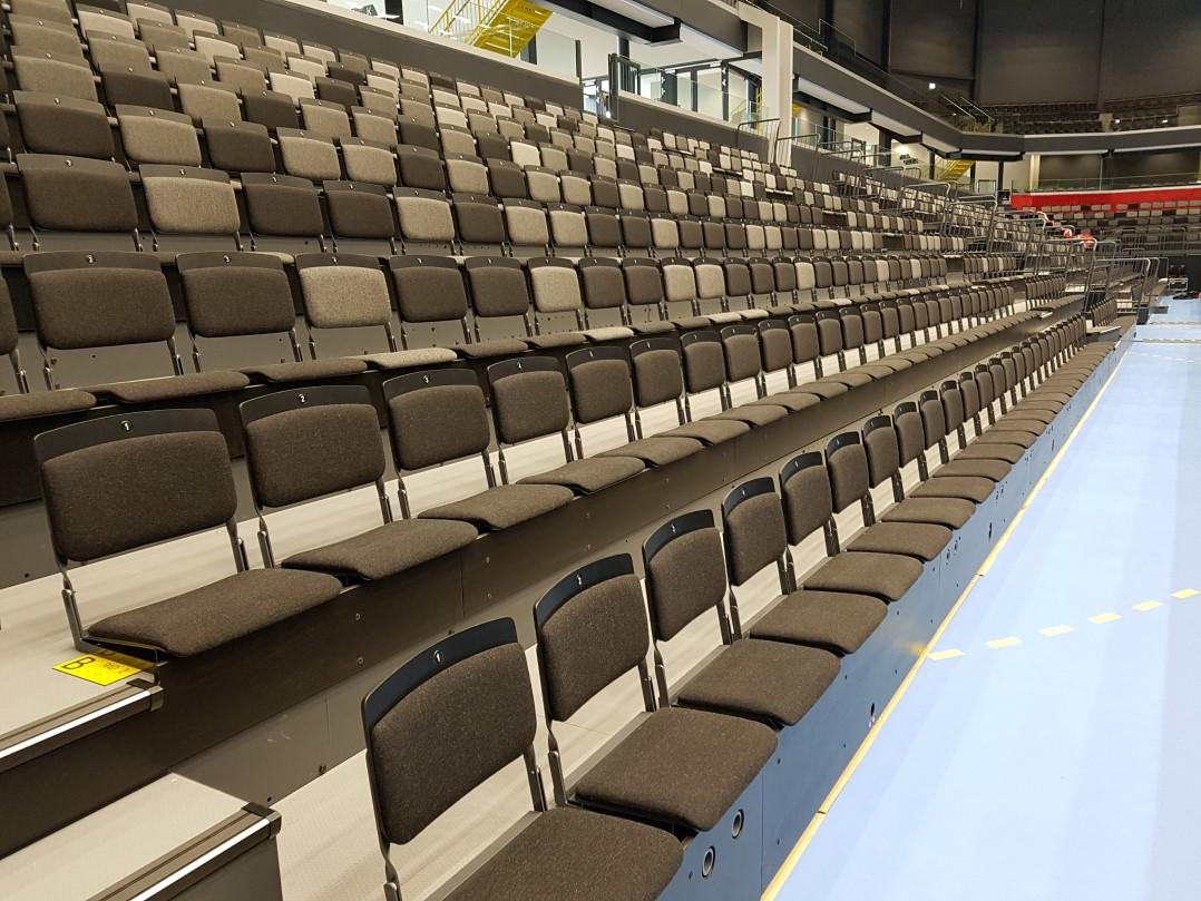 läktarstolar teleskopläktare sportgolv stiga arena eskilstuna från unisport