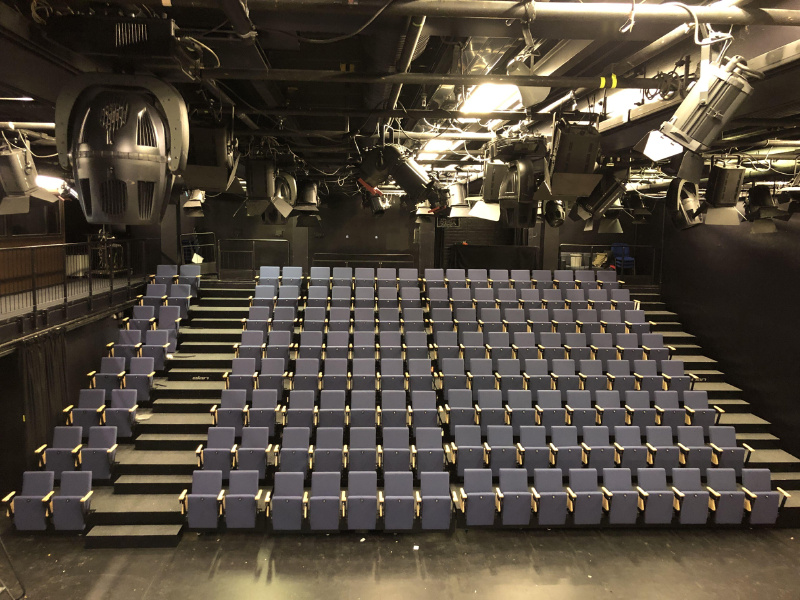 Teleskoptribuner til sal og kino