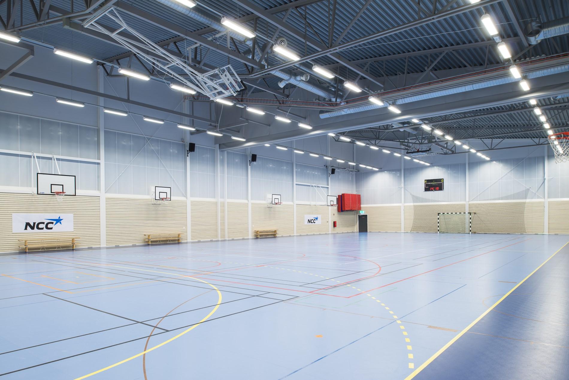mörby idrottshall sportgolv sporthallsinredning unisport