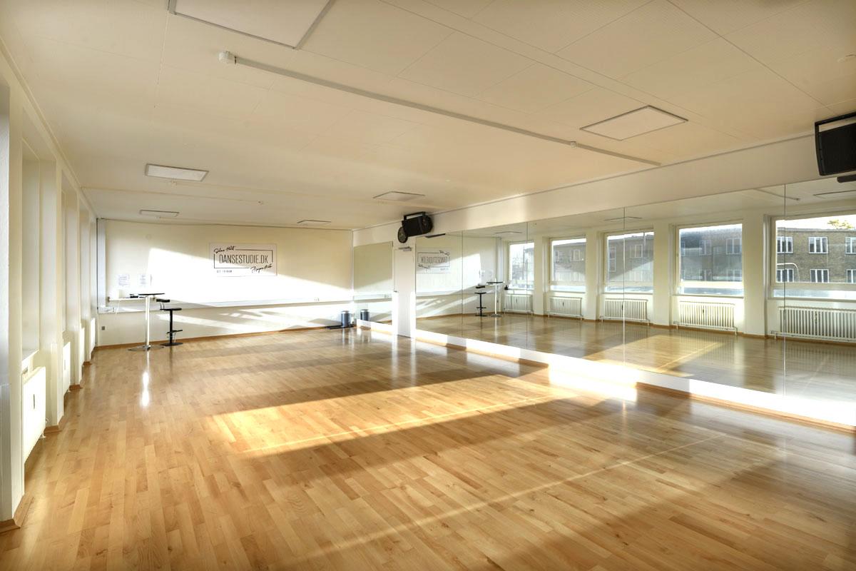 dansstudio sportgolv unisport dansgolv golf för dans